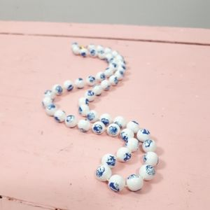 3/$10 💞 Blue And White Bead Necklace